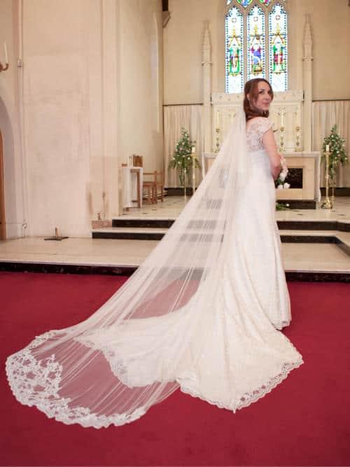 lucy-bennett-bespoke-wedding-dress